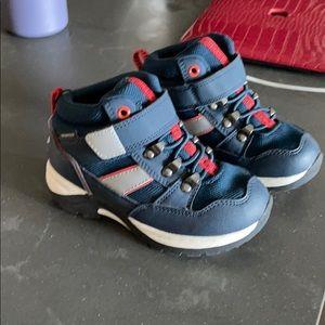 H&M boys waterproof shoes
